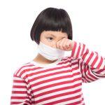 花粉症に悩む子供